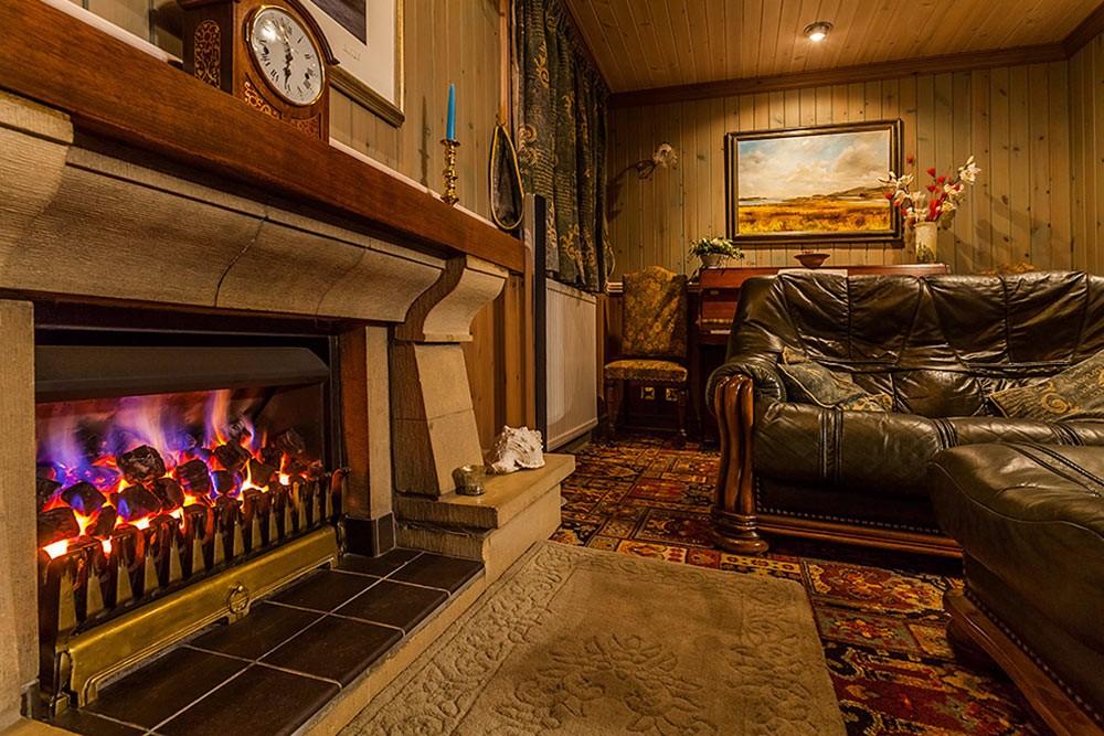 ptarmigan-self-catering-accommodation-broadford-skye-fireplace